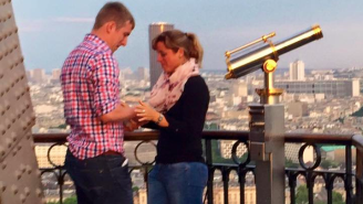 The Internet Is Looking For A Mystery Couple Who Got Engaged On The Eiffel Tower