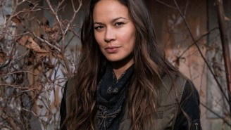 'Falling Skies': Noah Wyle gets high praise from co-star Moon Bloodgood