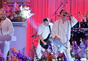Faith No More Were The Latest To Pay Tribute To Dave Grohl By Covering Foo Fighters