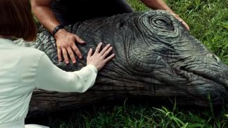 Here's How 'Jurassic World' Made Its Animatronic Apatosaurus