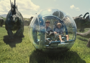 Box Office: 'Jurassic World' has 'Avengers' records in sight after $82.8 million Friday