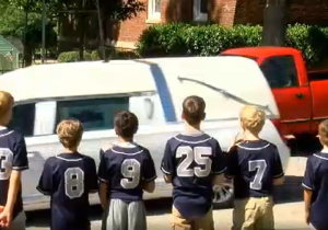 Watch Hundreds Of Amazing Little Leaguers Pay Tribute To A Fallen Teammate