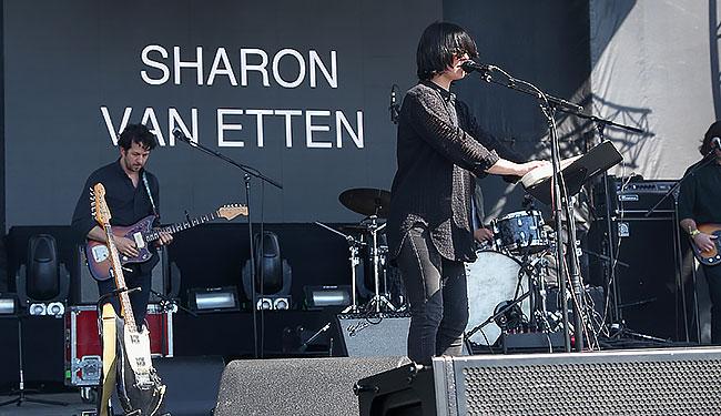 sharon-van-etten-gov-ball