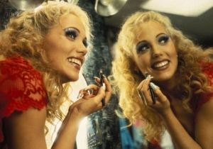 Elizabeth Berkley Has Finally Come 'Full Circle' On Her Role In 'Showgirls'