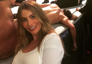 Important: Sofia Vergara Was At A PWG Show Taking Selfies All Night