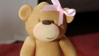 A Mother Saw An Apparent Vagina On Her Daughter's Teddy Bear Cake And Flipped Out