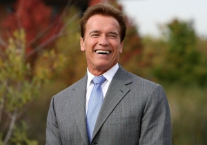 'Put That Cookie Down! Now!': Remembering Arnold Schwarzenegger's Funniest Moments