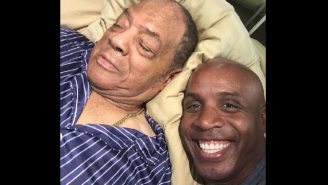 Barry Bonds Snuck In A Creepy Selfie With A Sleeping Willie Mays