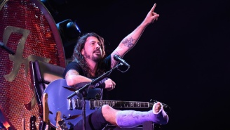 Watch Dave Grohl Perform On A Foo Fighters Throne During Their First Concert Since His Accident