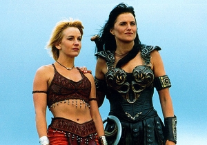 Lucy Lawless And Renee O'Connor Still Look Great In This 'Xena: Warrior Princess' Reunion Pic