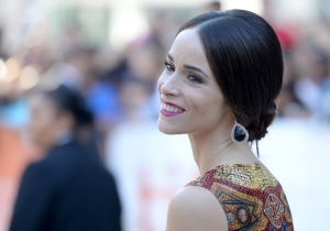 UPROXX 20: Abigail Spencer Recalls The Anonymous Stranger Who Gave Her $400 When She Was Cleaning Toilets