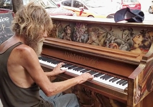The Viral Homeless Piano Player Is Getting A Full Scholarship To Return To College