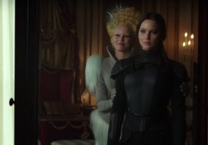 It's 'Hunger Games' Versus 'Game Of Thrones' In This Excellent Mashup Trailer