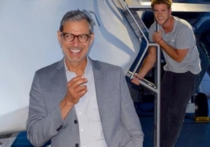 Jeff Goldblum Joins Facebook By Sharing An 'Independence Day: Resurgence' Set Photo And Teaser