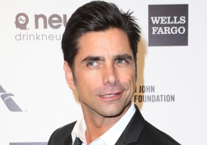 John Stamos Instagrammed A Wholesome Photo From The 'Fuller House' Set
