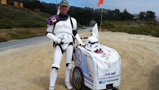 This Stormtrooper walked 500 milles to Comic-Con… and he'll walk 500 more