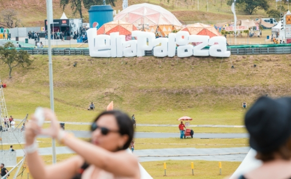 lollapalooza-2015-streaming-schedule