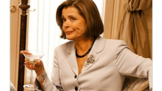 Relive Lucille Bluth's Worst Mom Moments From 'Arrested Development'
