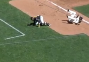 Andrew McCutchen Hit One Of The Craziest Home Runs That You'll See This Year