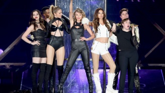 Lena Dunham Was Insecure Being On Stage With Taylor Swift And Her Model Friends