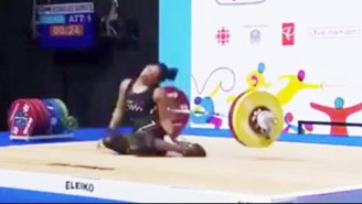 The Scary Moment When A Weightlifter Passed Out While Performing A Clean-And-Jerk