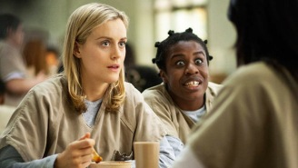 An 'Orange Is The New Black' Fan Chased Uzo 'Crazy Eyes' Aduba For A Selfie Mid-Marathon