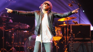 Lenny Kravitz Split His Pants While Performing, Revealing A Very NSFW Surprise