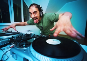 Watch This Awful DJ Completely Lose It In Front Of A Very Confused Audience