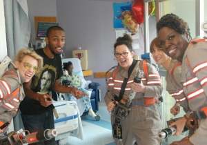 The Cast Of Paul Feig's 'Ghostbusters' Visited A Children's Hospital In Full Costume