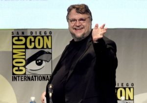 Guillermo Del Toro Says 'Pacific Rim 2' Is Not Canceled