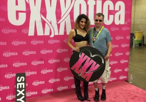 The Dallas Exxxotica Expo Attracted Some Awful Anti-Porn Protestors (And Some Nice Ones)