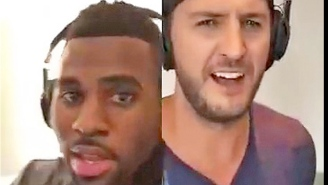 Luke Bryan and Jason Derulo duet, karaoke-style