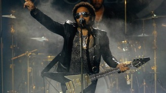 Lenny Kravitz, A True Man Of Conviction, Will Not Stop Wearing Leather Pants Despite #PenisGate