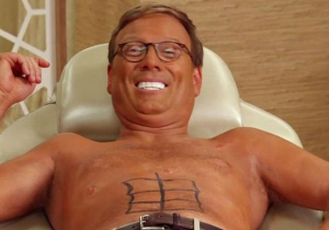 What's On Tonight: Andy Daly Gets A Spray Tan And Men Walk On The Moon