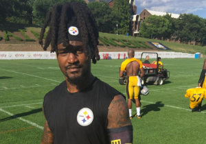 Pittsburgh Training Camp Got A Taste Of Waffle House Thanks To This Prime Clothing Choice