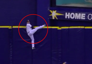 This Tampa Bay Rays Outfielder Totally Misjudged This Fly Ball At Tropicana Field