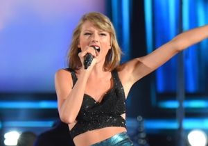 Taylor Swift Performed 'You Oughta Know' With Alanis Morrissette
