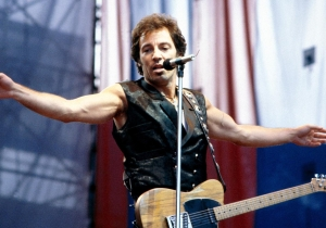 26 years ago today: Bruce Springsteen surprised an Arizona bar with an impromptu jam sesh and a big tip