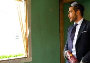 Jake Gyllenhaal Reaffirms Life With A Sledgehammer In The 'Demolition' Trailer