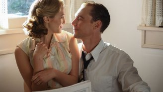 Review: Tom Hiddleston sings but can't save shockingly bad 'I Saw The Light'