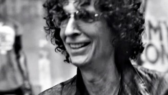 Here's what it's like when Howard Stern walks the streets of Manhattan