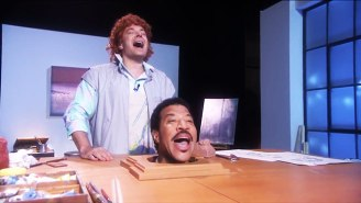 Jimmy Fallon And Lionel Richie's Head Remade The Sculpture Scenes From The Classic 'Hello'