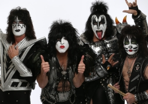 See what KISS looked like when they appeared on MTV sans-makeup, 32 years ago today