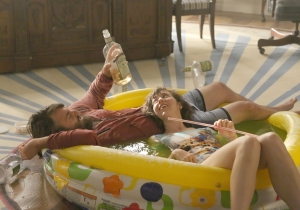 Review: 'Last Man on Earth' smartly goes back to basics for season 2 premiere