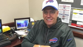 Does Rex Ryan Have A Picture Of His Wife's Feet On His Desk?
