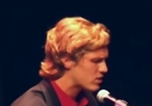 Here's An Old Video Of Wisconsin QB Joel Stave Singing 'Drops Of Jupiter'