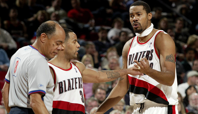 Sheed, Mighty Mouse and refs Jail Blazers