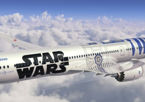 C-3P0 & R2-D2 Attended The Unveiling Of Japan's New 'Star Wars' Themed Airplane
