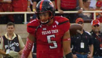 Watch Texas Tech's Oblivious Quarterback Miss A Snap In Hilarious Fashion