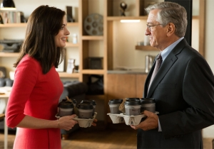 Review: Anne Hathaway and Robert De Niro are adorable in low-stakes 'The Intern'